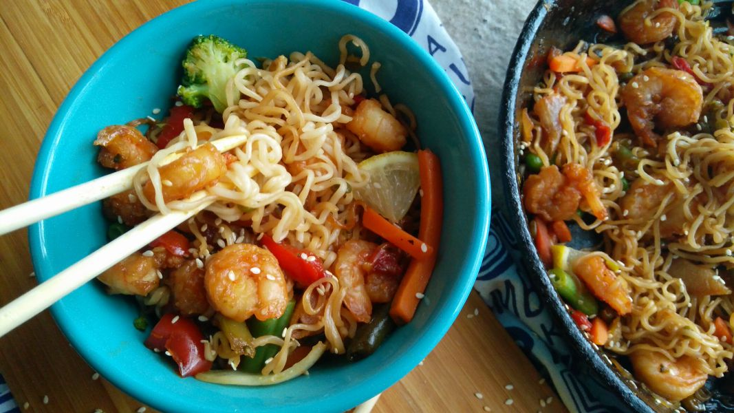 20 Minute Honey Garlic Shrimp Stir Fry