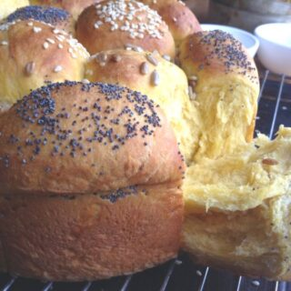 Honey Butternut Pull Apart Rolls
