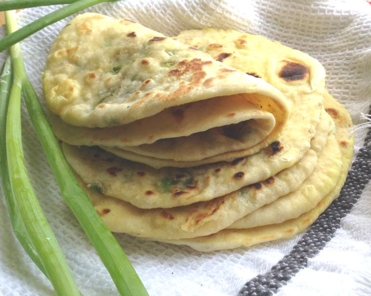 Toasted Sesame and Garlic filled Naan