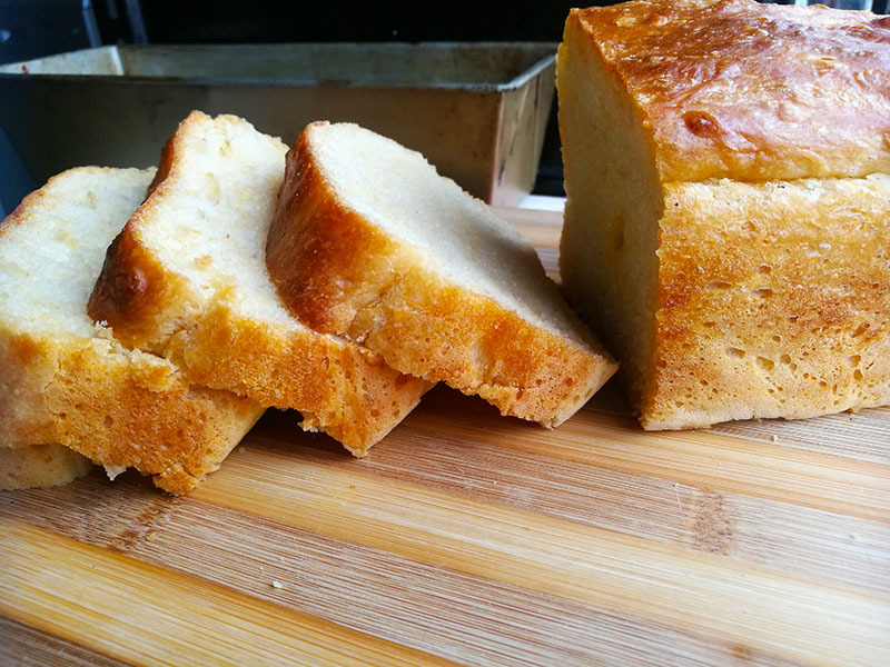 Easy No Knead Cheese Bread