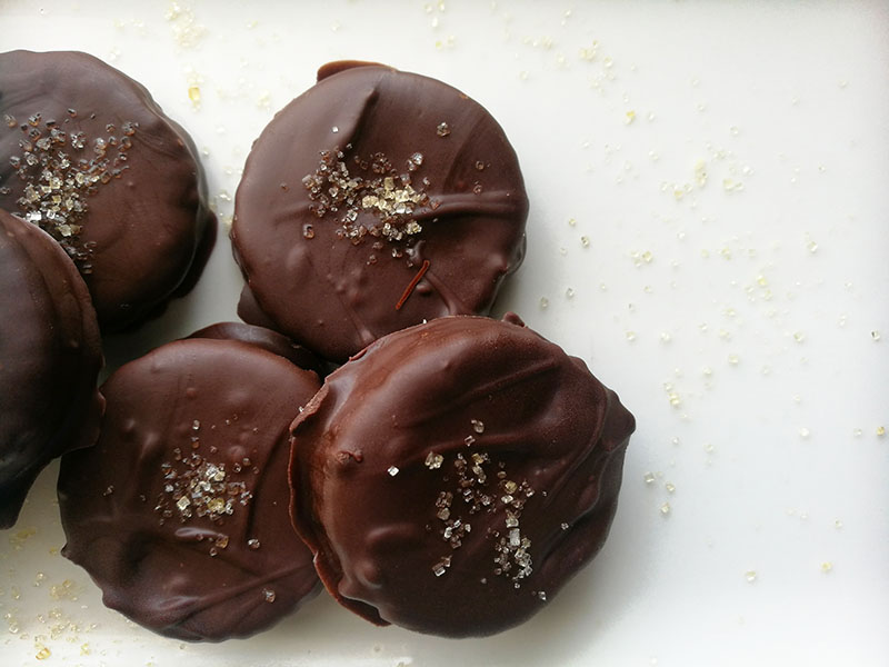 3 ingredient Chocolate Covered Crackers